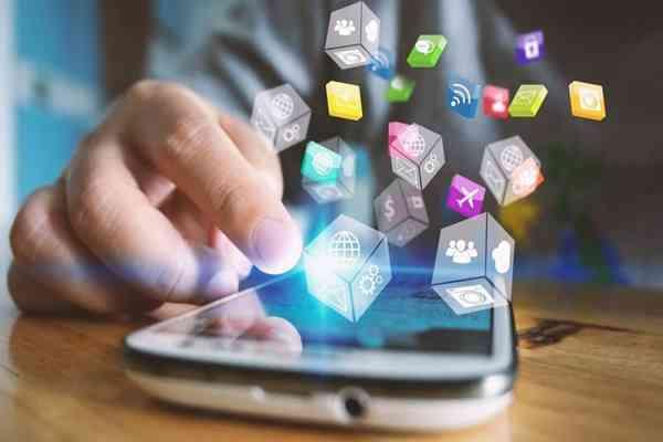 Dane demograficzne w akcji: Kluczowe różnice w preferencjach w serwisach społecznościowych wśród użytkowników o różnej płci, wieku i narodowości